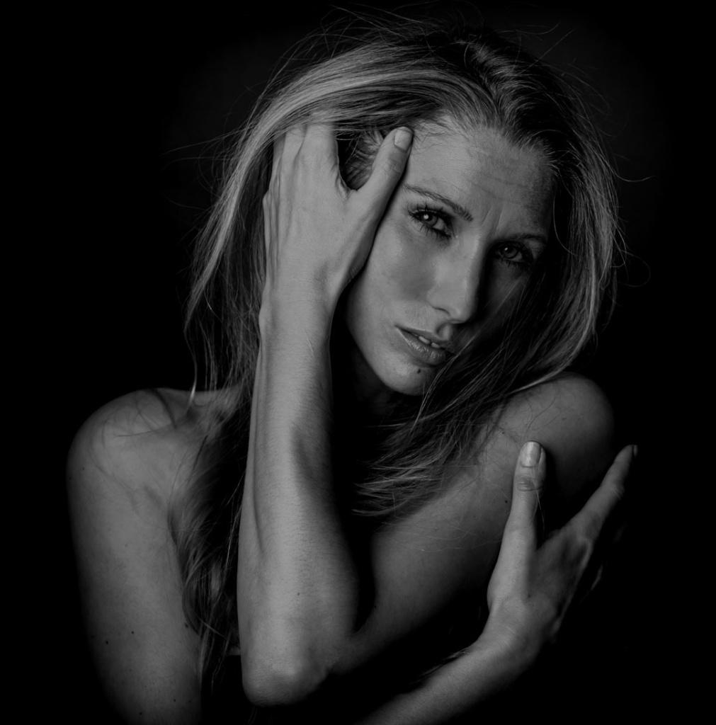 Portrait_Emotion_BNW